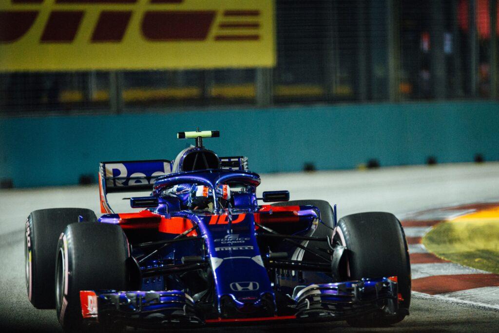 carro azul da fórmula 1