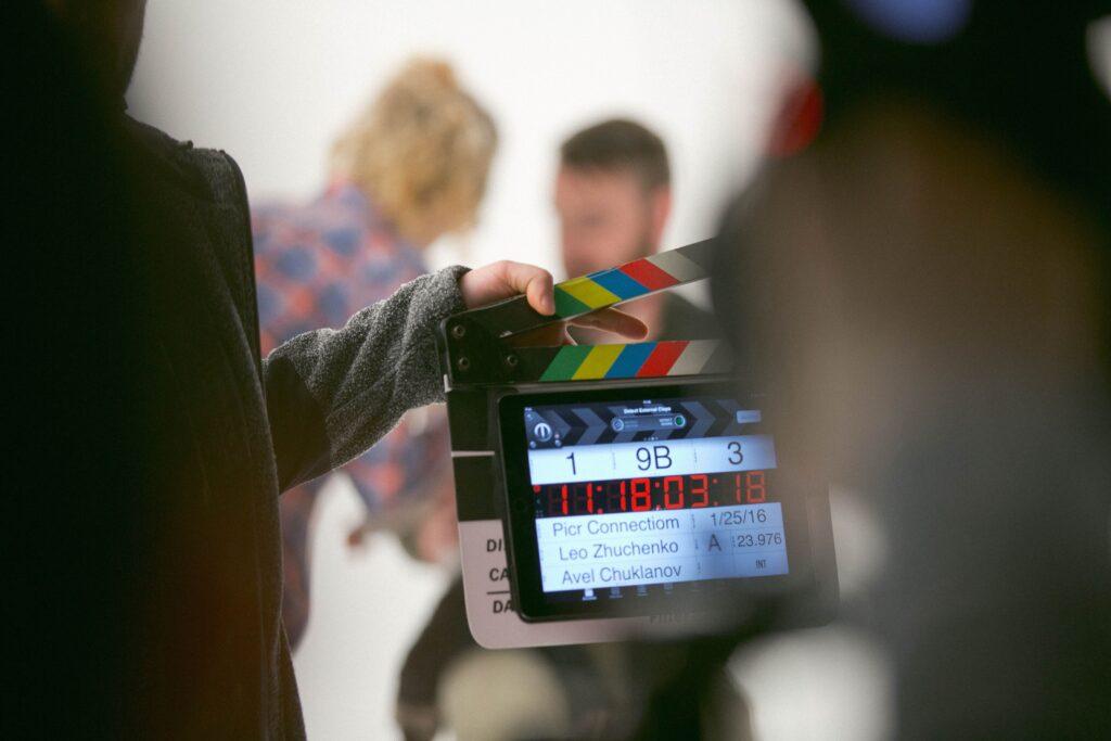 pessoa gravando um filme sobre tecnologia