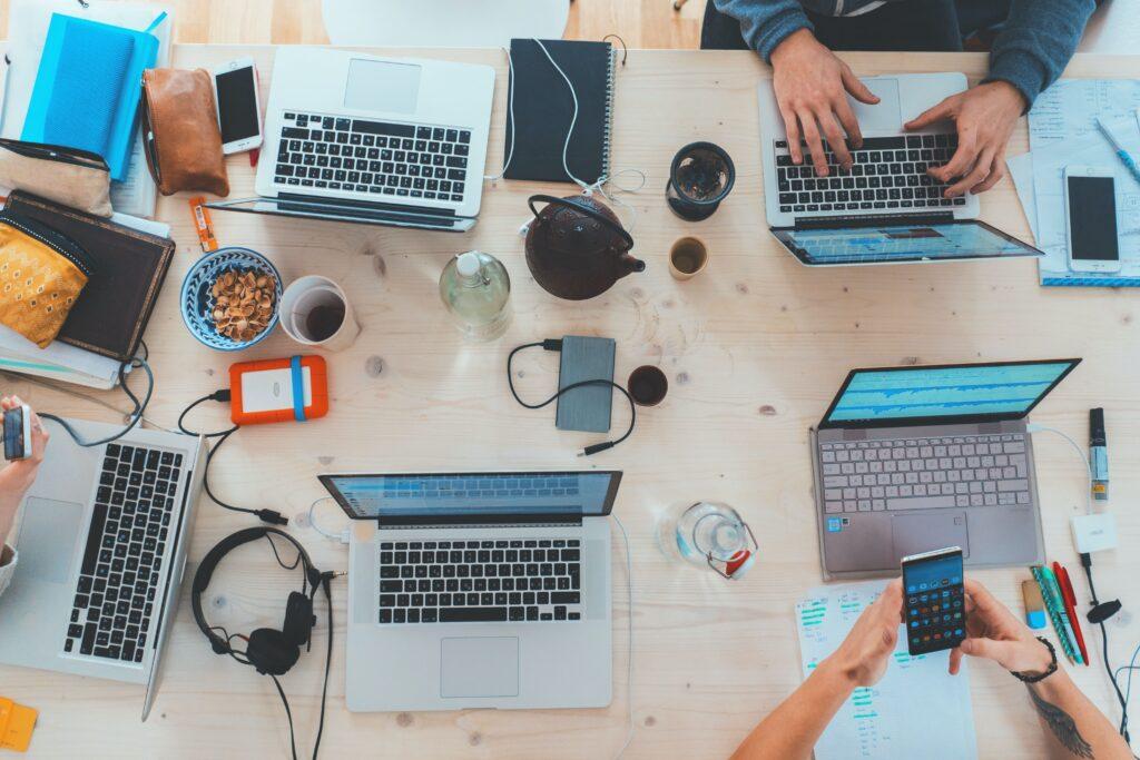 mesa de computadores